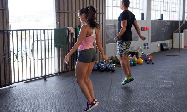 10 exercícios aeróbicos práticos para realizar durante o dia