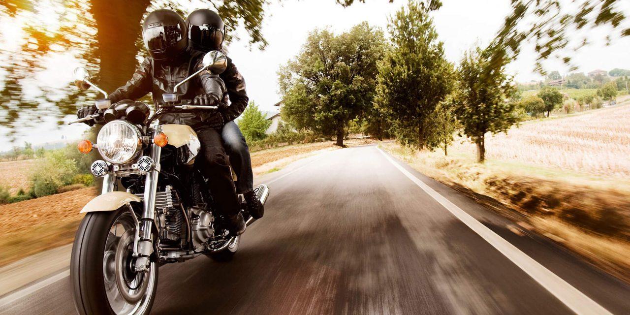 7 dicas para viajar de moto no verão